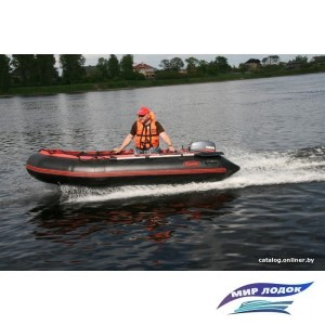 Моторно-гребная лодка Мнев и К Командор KMD-380